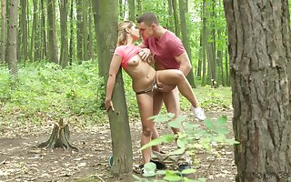 Elegant amateur chick fucked into hammer away woods and creamed like a whore