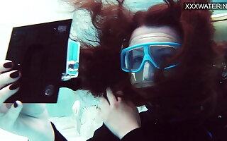 Hot underwater pool masturbation of Emi Serene