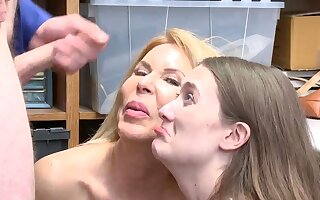 Finally caught my mom masturbating on disregard a close cam xxx