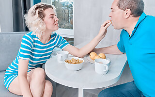 Playful coddle rides an doyen dick for breakfast