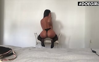Anastasia Brokelyn Pawg Spanish Newborn Strips And Plays With Her Wet Pussy Pay court to Climax