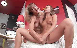 Jayden and Rita fist fucking one another on cam