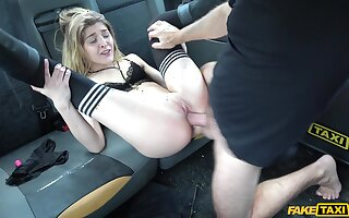Needy young babe in arms fucked on her way to stance every morning